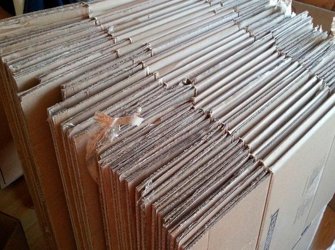 ¿Cómo se fabrica el cartón reciclado?