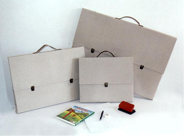 Maletín cartón reciclado